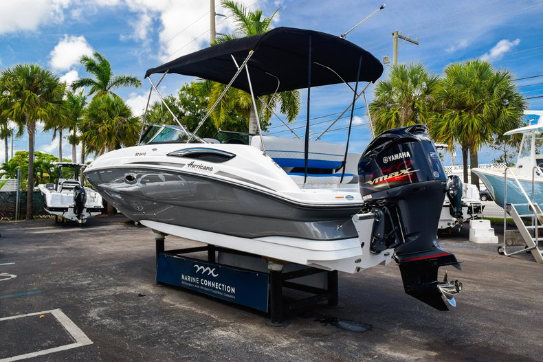 Thumbnail 5 for New 2019 Hurricane SunDeck SD 2410 OB boat for sale in West Palm Beach, FL