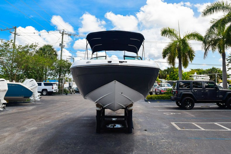 Thumbnail 2 for New 2019 Hurricane SunDeck SD 2410 OB boat for sale in West Palm Beach, FL