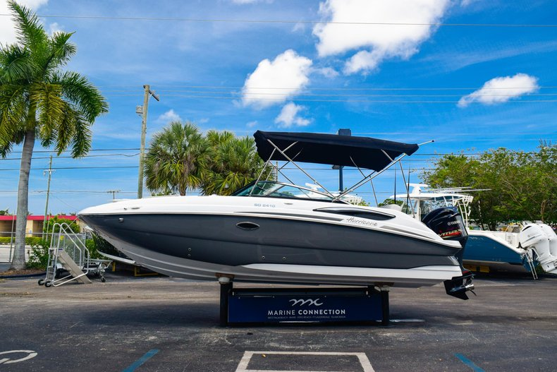 Thumbnail 4 for New 2019 Hurricane SunDeck SD 2410 OB boat for sale in West Palm Beach, FL