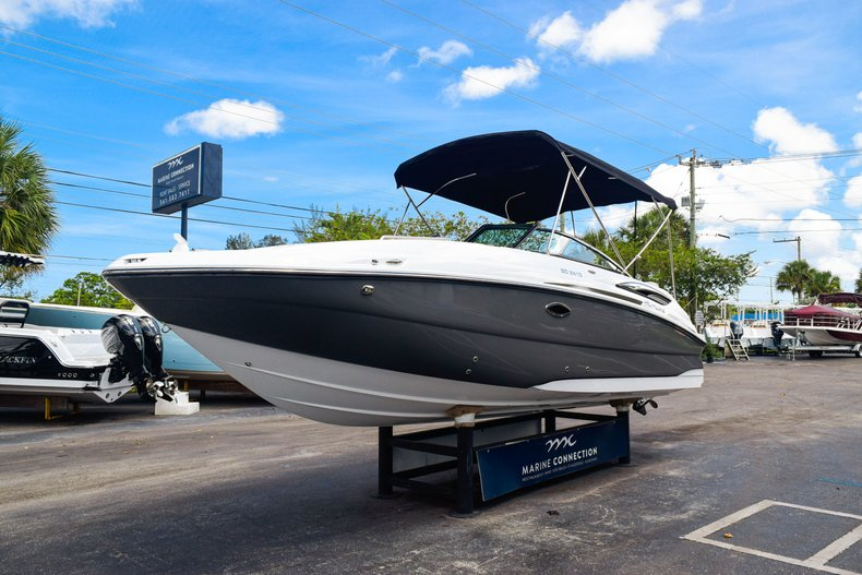 Thumbnail 3 for New 2019 Hurricane SunDeck SD 2410 OB boat for sale in West Palm Beach, FL