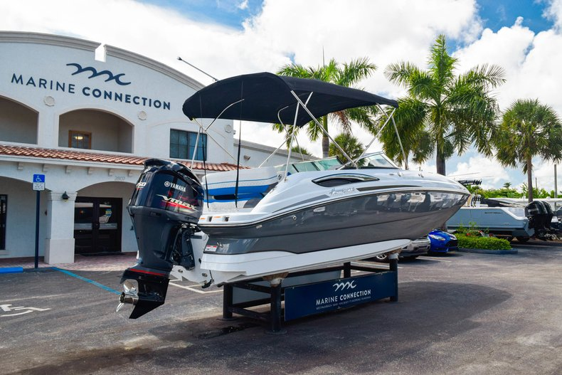 Thumbnail 7 for New 2019 Hurricane SunDeck SD 2410 OB boat for sale in West Palm Beach, FL