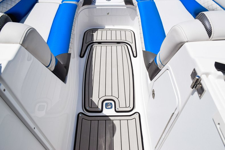 Thumbnail 43 for New 2019 Hurricane SunDeck SD 2410 OB boat for sale in West Palm Beach, FL