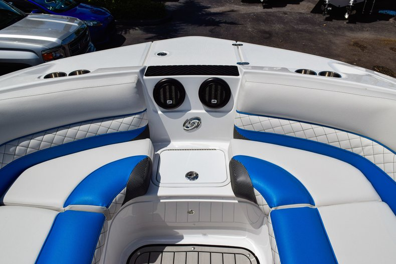 Thumbnail 47 for New 2019 Hurricane SunDeck SD 2410 OB boat for sale in West Palm Beach, FL