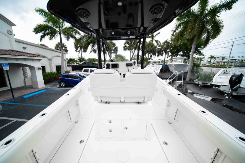 Image 9 for 2014 Cobia 237 Center Console in West Palm Beach, FL