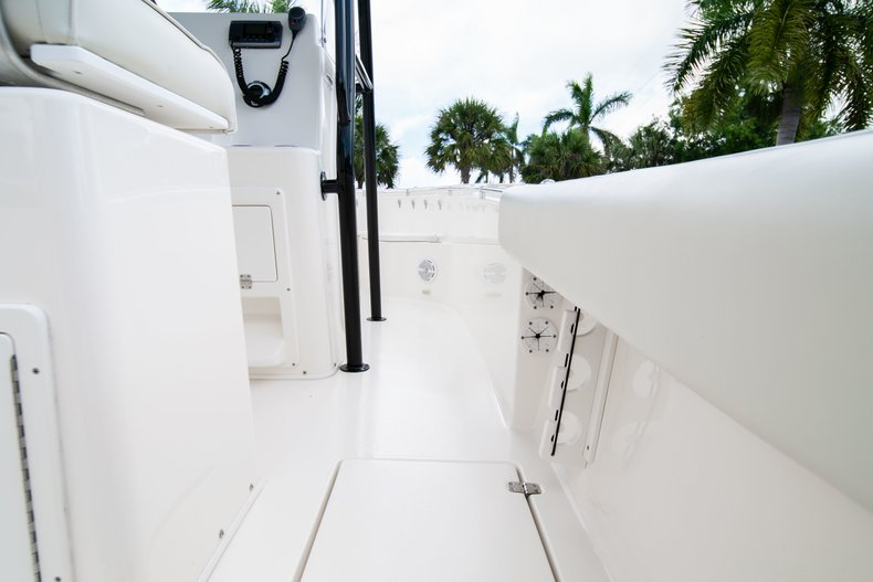 Image 17 for 2014 Cobia 237 Center Console in West Palm Beach, FL
