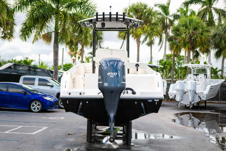 Image 6 for 2014 Cobia 237 Center Console in West Palm Beach, FL
