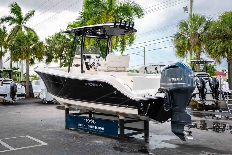 Image 5 for 2014 Cobia 237 Center Console in West Palm Beach, FL