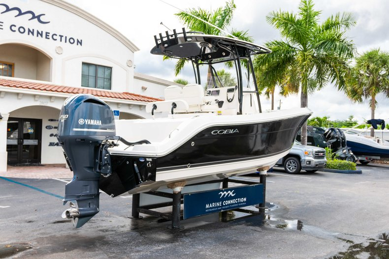 Image 7 for 2014 Cobia 237 Center Console in West Palm Beach, FL