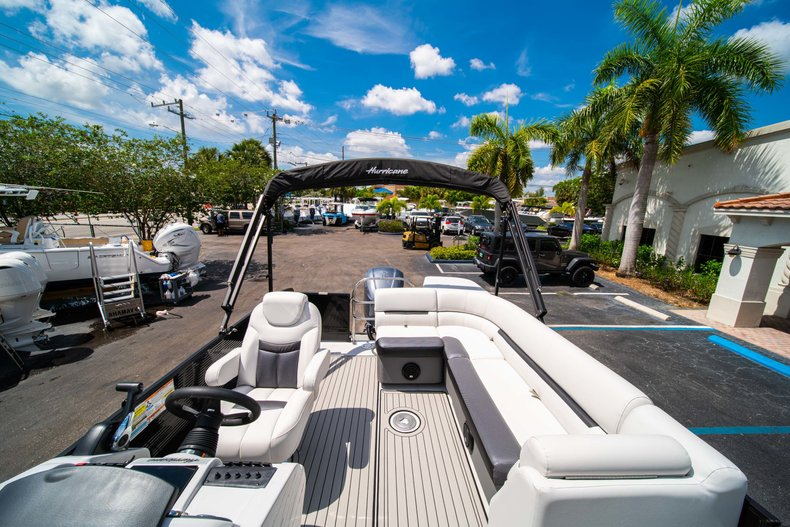 Thumbnail 11 for New 2019 Hurricane FunDeck FD 236SB boat for sale in Vero Beach, FL