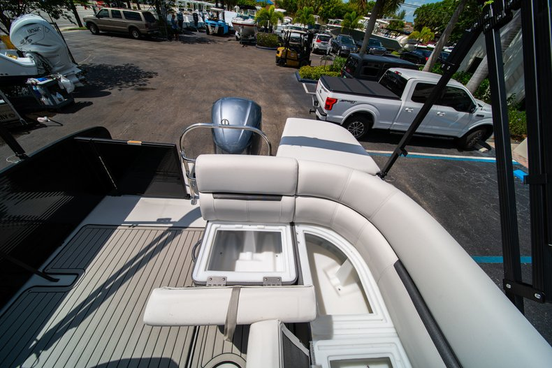 Thumbnail 13 for New 2019 Hurricane FunDeck FD 236SB boat for sale in Vero Beach, FL