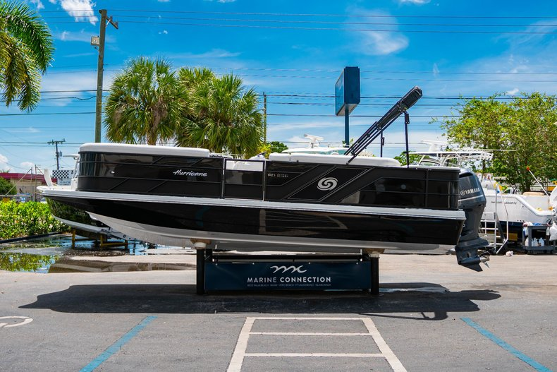 Thumbnail 4 for New 2019 Hurricane FunDeck FD 236SB boat for sale in Vero Beach, FL