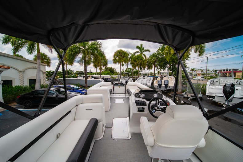 Thumbnail 10 for New 2019 Hurricane FunDeck FD 226 OB boat for sale in Vero Beach, FL
