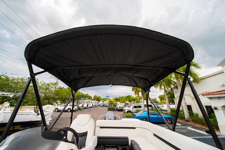 Thumbnail 29 for New 2019 Hurricane FunDeck FD 226 OB boat for sale in West Palm Beach, FL