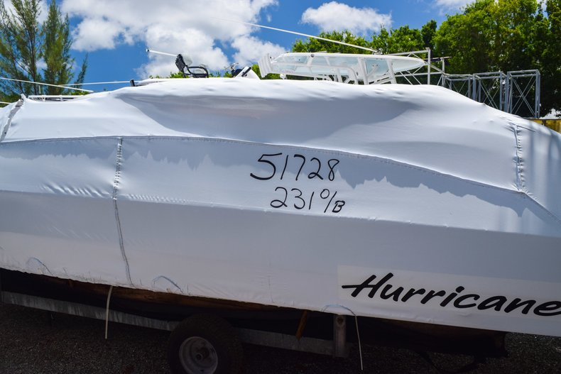Thumbnail 1 for New 2019 Hurricane Sundeck Sport SS 231 OB boat for sale in West Palm Beach, FL