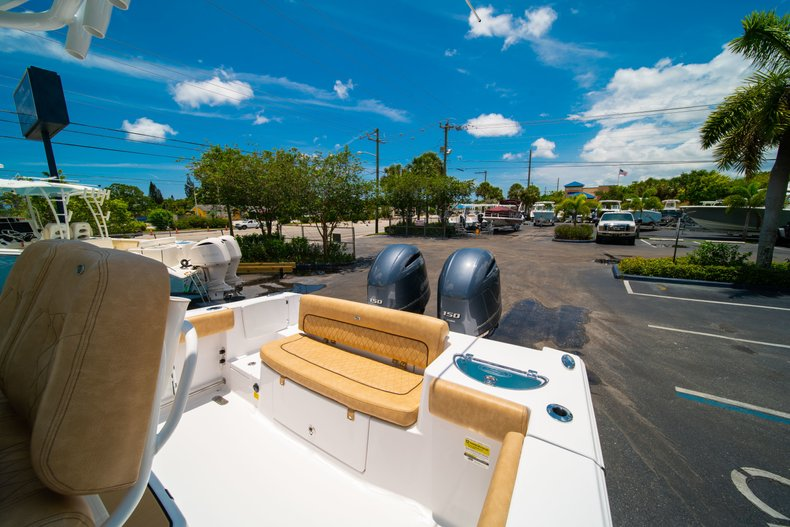 Thumbnail 10 for New 2019 Sportsman Heritage 251 Center Console boat for sale in West Palm Beach, FL