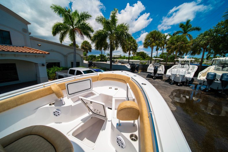 Thumbnail 34 for New 2019 Sportsman Heritage 251 Center Console boat for sale in West Palm Beach, FL