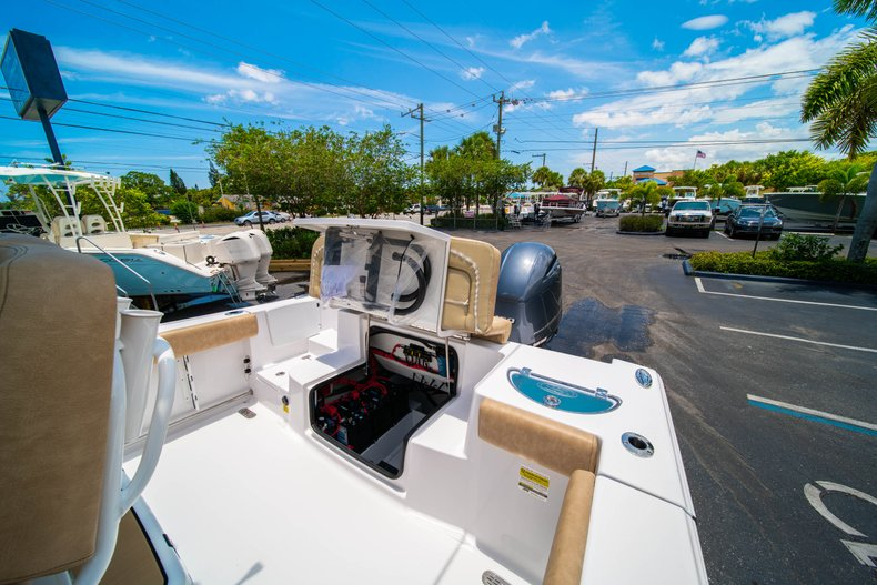 Thumbnail 13 for New 2019 Sportsman Heritage 251 Center Console boat for sale in West Palm Beach, FL