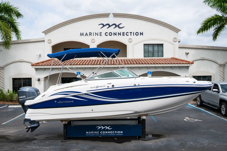 Used 2012 Hurricane Sundeck 2400 For Sale