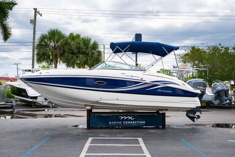Thumbnail 4 for Used 2012 Hurricane SunDeck 2400 boat for sale in West Palm Beach, FL