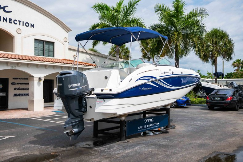 Thumbnail 7 for Used 2012 Hurricane SunDeck 2400 boat for sale in West Palm Beach, FL