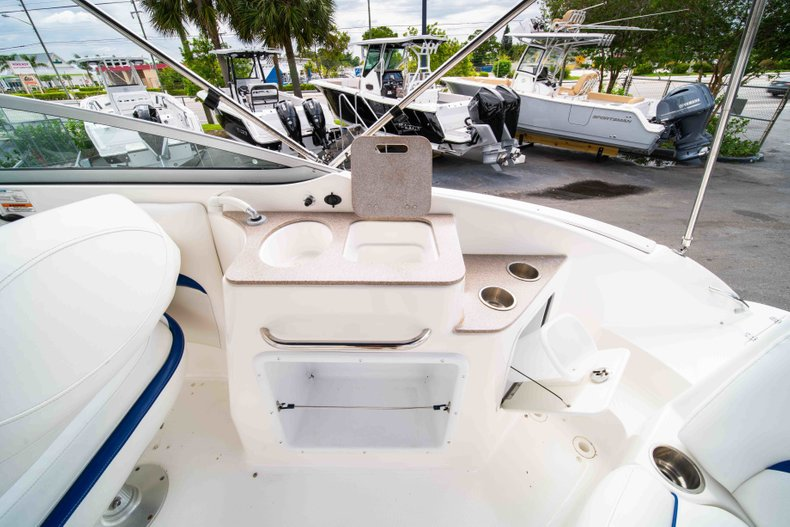 Thumbnail 11 for Used 2012 Hurricane SunDeck 2400 boat for sale in West Palm Beach, FL