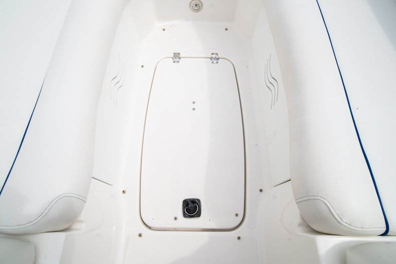 Thumbnail 27 for Used 2012 Hurricane SunDeck 2400 boat for sale in West Palm Beach, FL