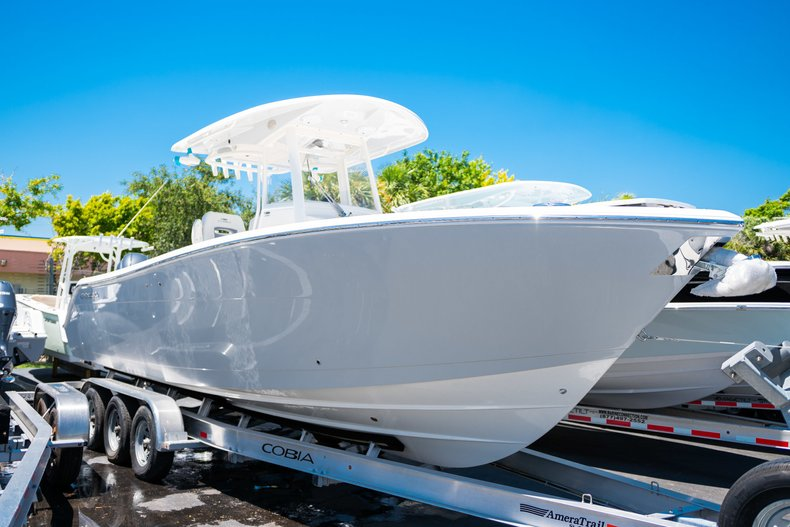 New 2019 Cobia 280 Center Console boat for sale in West Palm Beach, FL