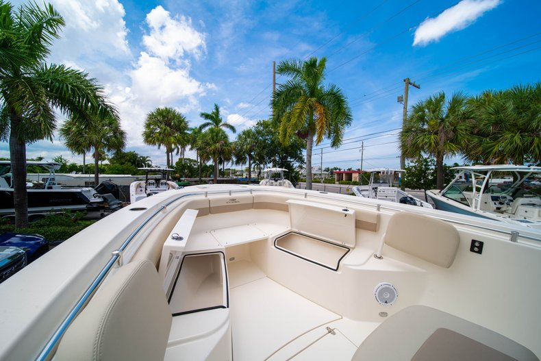 Thumbnail 40 for New 2019 Cobia 280 Center Console boat for sale in Fort Lauderdale, FL