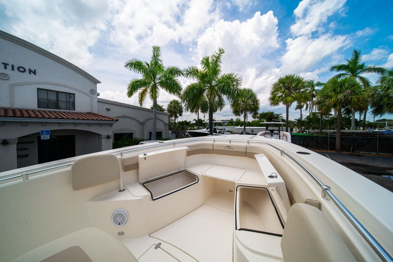 Thumbnail 37 for New 2019 Cobia 280 Center Console boat for sale in Fort Lauderdale, FL