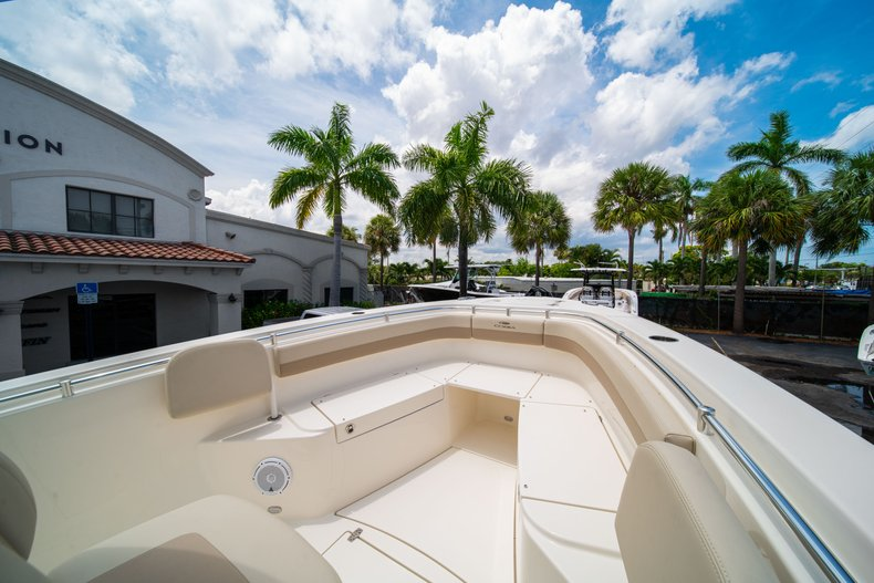 Thumbnail 36 for New 2019 Cobia 280 Center Console boat for sale in Fort Lauderdale, FL