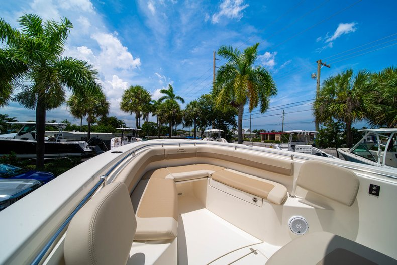 Thumbnail 38 for New 2019 Cobia 280 Center Console boat for sale in Fort Lauderdale, FL
