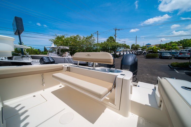 Thumbnail 12 for New 2019 Cobia 280 Center Console boat for sale in Fort Lauderdale, FL