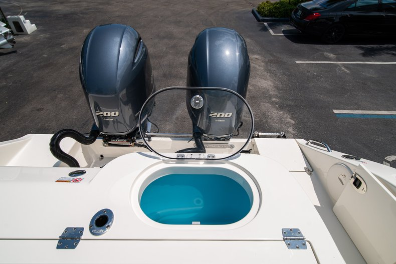Thumbnail 14 for New 2019 Cobia 280 Center Console boat for sale in Fort Lauderdale, FL
