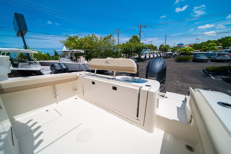Thumbnail 11 for New 2019 Cobia 280 Center Console boat for sale in Fort Lauderdale, FL
