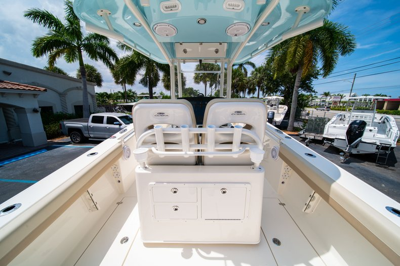 Thumbnail 15 for New 2019 Cobia 280 Center Console boat for sale in Fort Lauderdale, FL