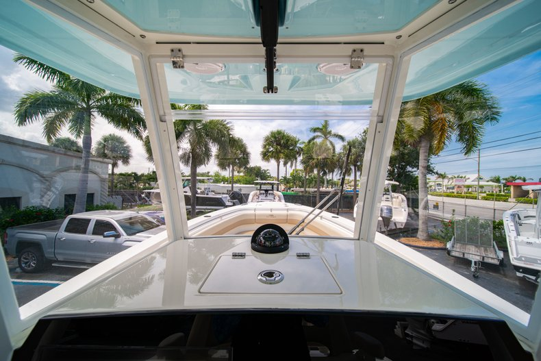 Thumbnail 30 for New 2019 Cobia 280 Center Console boat for sale in Fort Lauderdale, FL