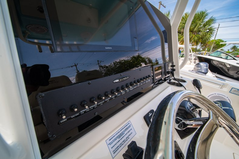 Thumbnail 27 for New 2019 Cobia 280 Center Console boat for sale in Fort Lauderdale, FL