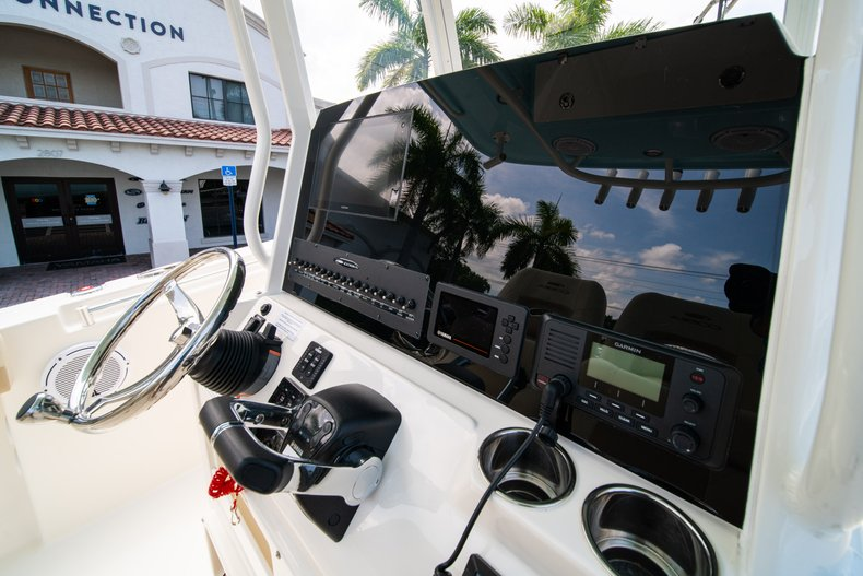Thumbnail 25 for New 2019 Cobia 280 Center Console boat for sale in Fort Lauderdale, FL