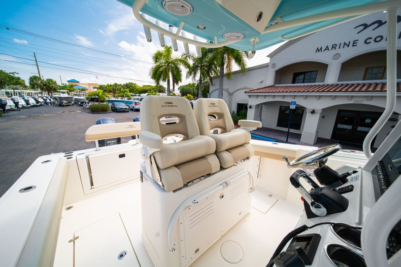 Thumbnail 31 for New 2019 Cobia 280 Center Console boat for sale in Fort Lauderdale, FL