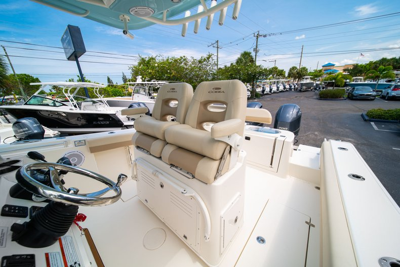 Thumbnail 33 for New 2019 Cobia 280 Center Console boat for sale in Fort Lauderdale, FL