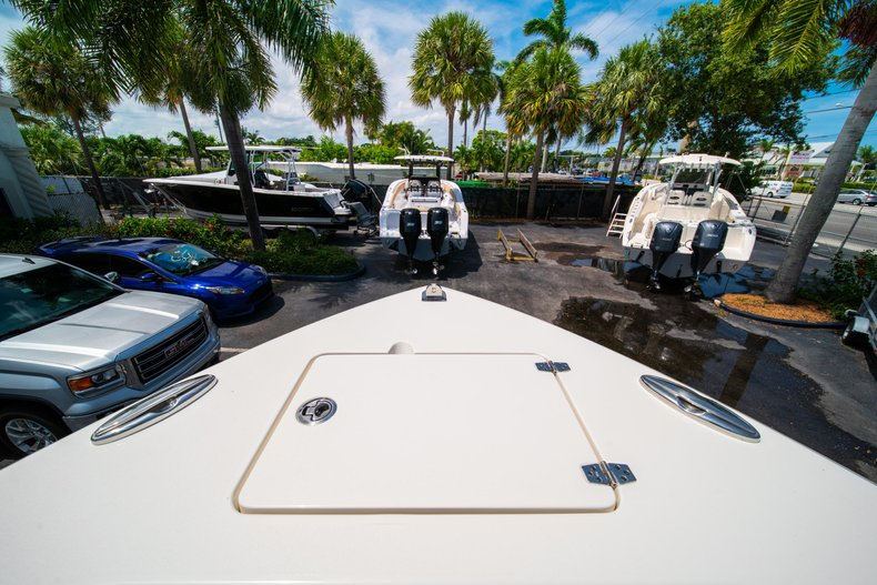 Thumbnail 41 for New 2019 Cobia 280 Center Console boat for sale in Fort Lauderdale, FL