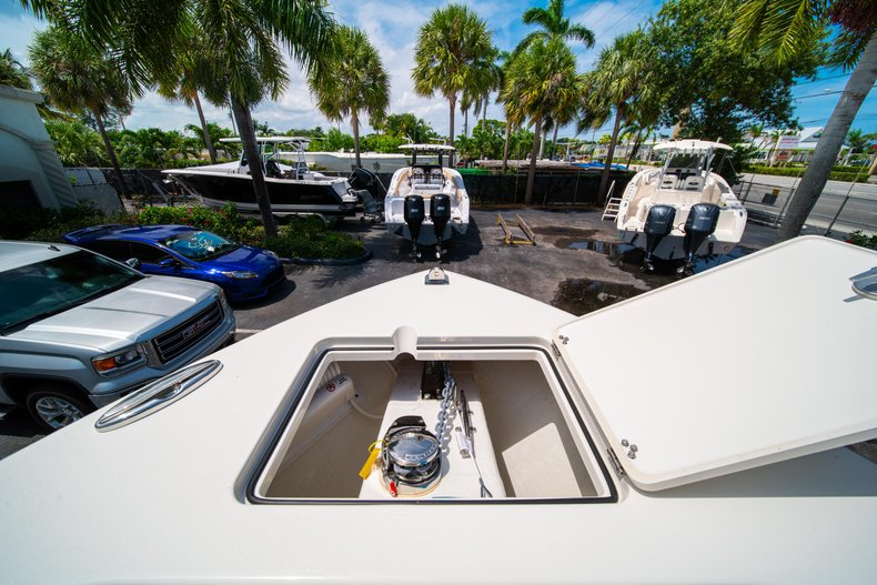 Thumbnail 42 for New 2019 Cobia 280 Center Console boat for sale in Fort Lauderdale, FL