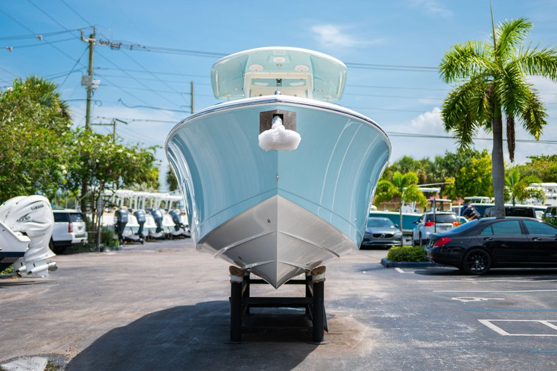 Thumbnail 2 for New 2019 Cobia 280 Center Console boat for sale in Fort Lauderdale, FL