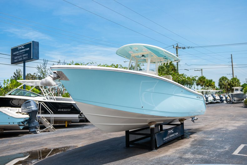 Thumbnail 3 for New 2019 Cobia 280 Center Console boat for sale in Fort Lauderdale, FL