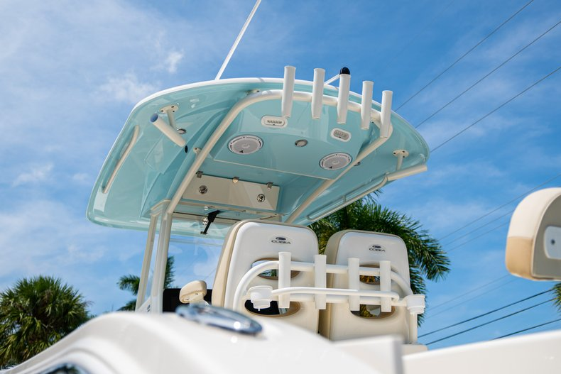Thumbnail 8 for New 2019 Cobia 280 Center Console boat for sale in Fort Lauderdale, FL