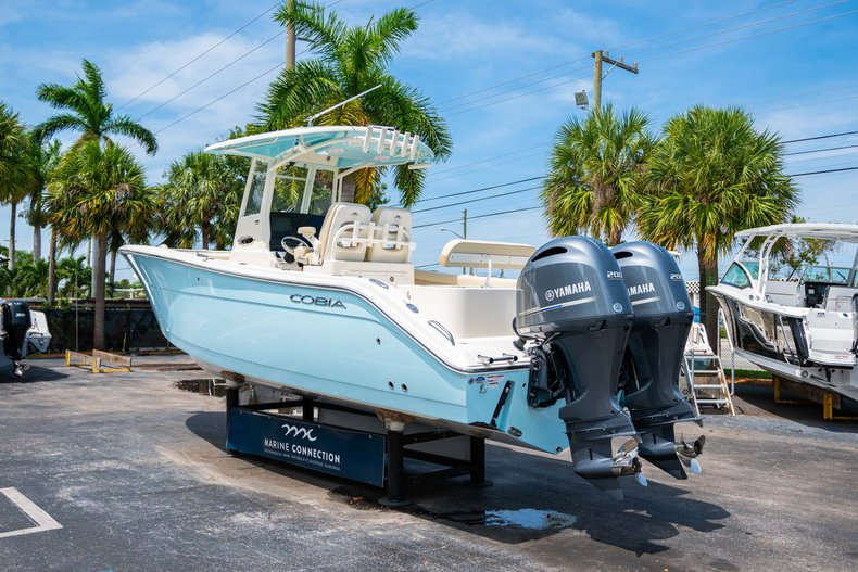 Thumbnail 5 for New 2019 Cobia 280 Center Console boat for sale in Fort Lauderdale, FL