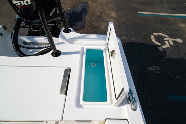 Thumbnail 16 for New 2019 Sportsman Tournament 214 Bay Boat boat for sale in West Palm Beach, FL