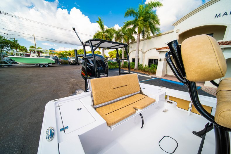 Thumbnail 9 for New 2019 Sportsman Tournament 214 Bay Boat boat for sale in West Palm Beach, FL