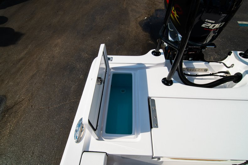 Thumbnail 14 for New 2019 Sportsman Tournament 214 Bay Boat boat for sale in West Palm Beach, FL