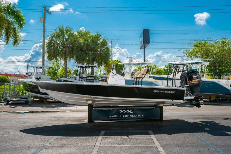 Image 4 for 2019 Sportsman Tournament 214 Bay Boat in West Palm Beach, FL